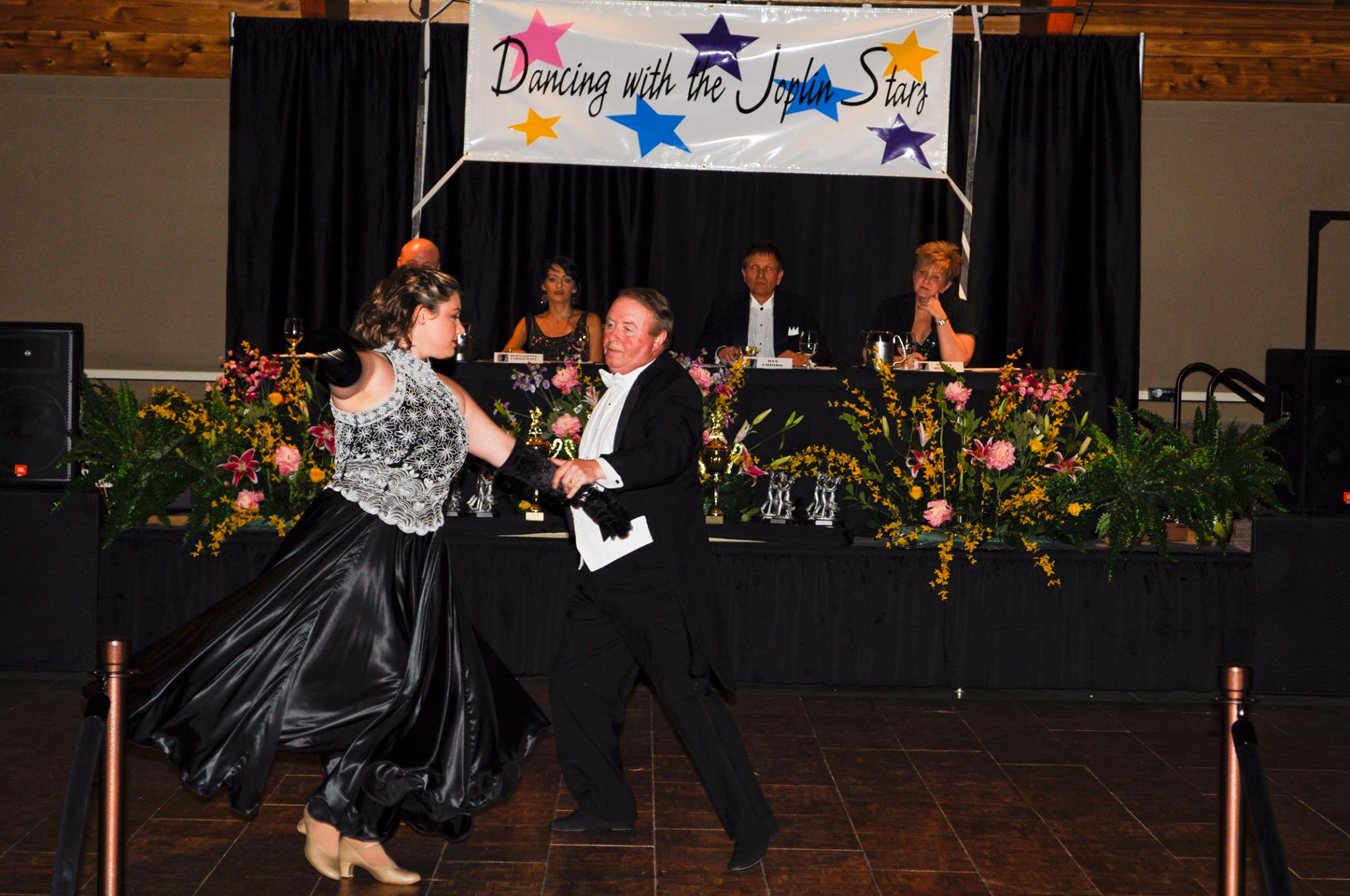 Mass comm students provide coverage for 'Dancing with the Joplin Stars'