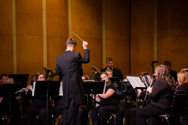 Wind Ensemble, Concert Band to perform