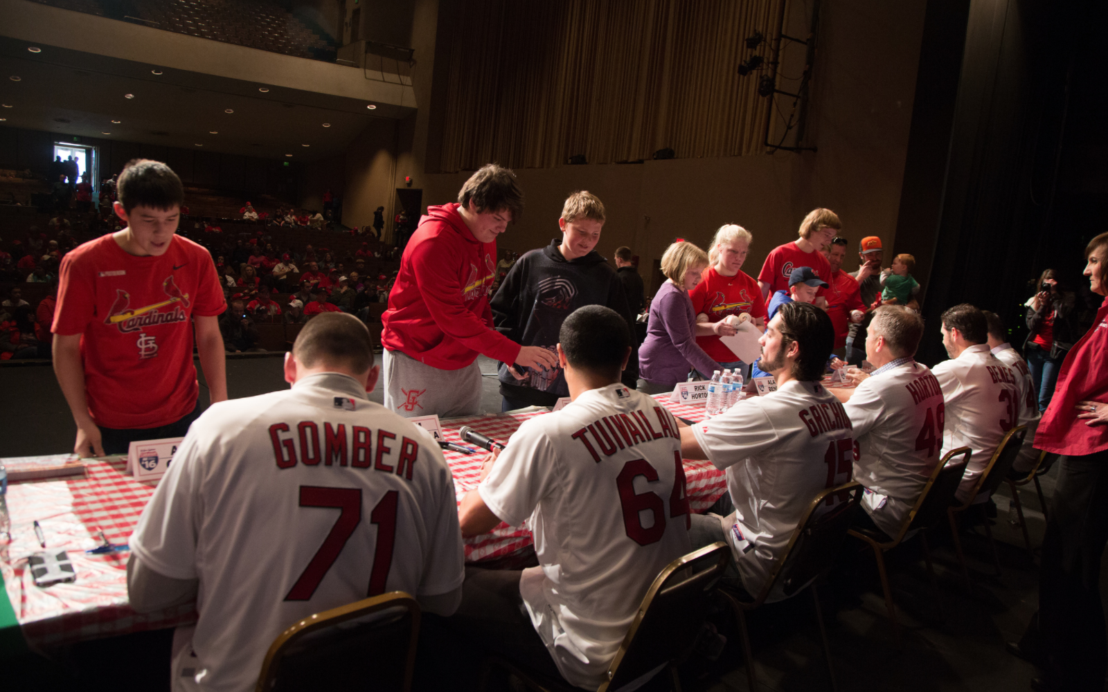 Cardinals Caravan Airs on KGCS-TV; pocket schedules available