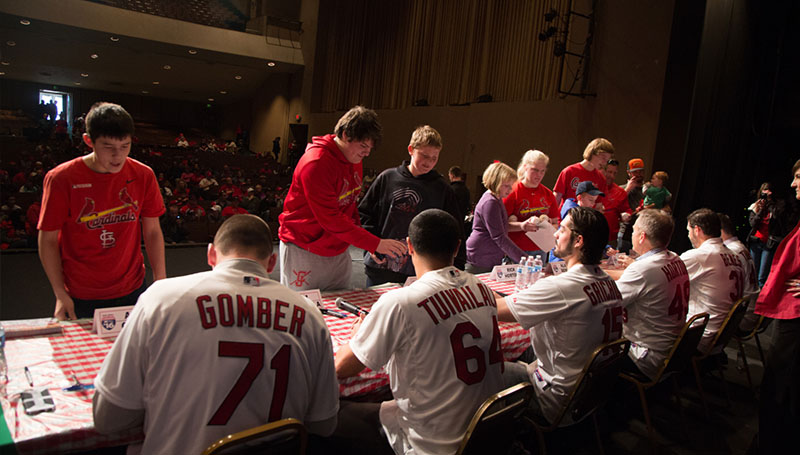 Players announced for Cardinals Caravan stop