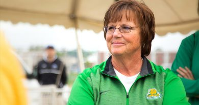 Patty Vavra, women's athletics programs earn Hall of Fame recognition
