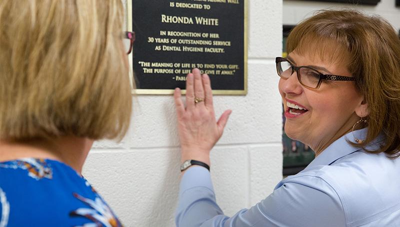 Dental department establishes Alumni Wall