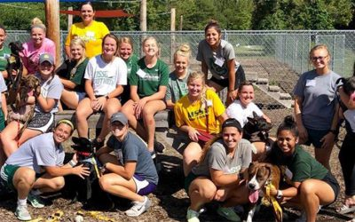 MSSU Softball Spends An Afternoon at the Humane Society