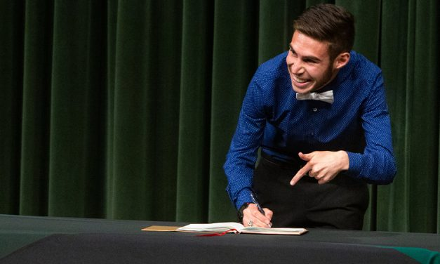 Incoming MSSU Honors students attend signing ceremony
