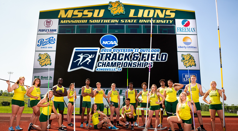 Track and Field Qualifies 19 Individuals For National Championships