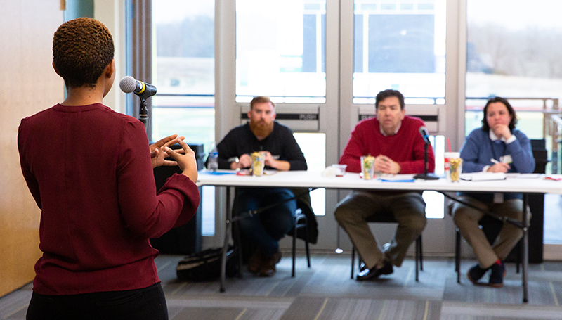 Pitch perfect: Student entrepreneurs face judges in business competition
