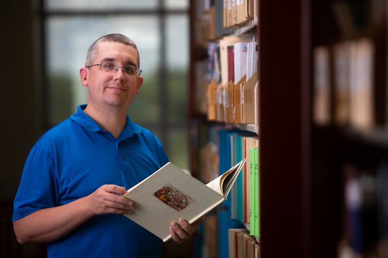 JHS history teacher Andrew Seavy, '16, receives James Madison Fellowship